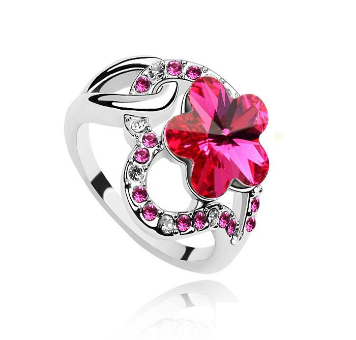 кольцо со swarovski