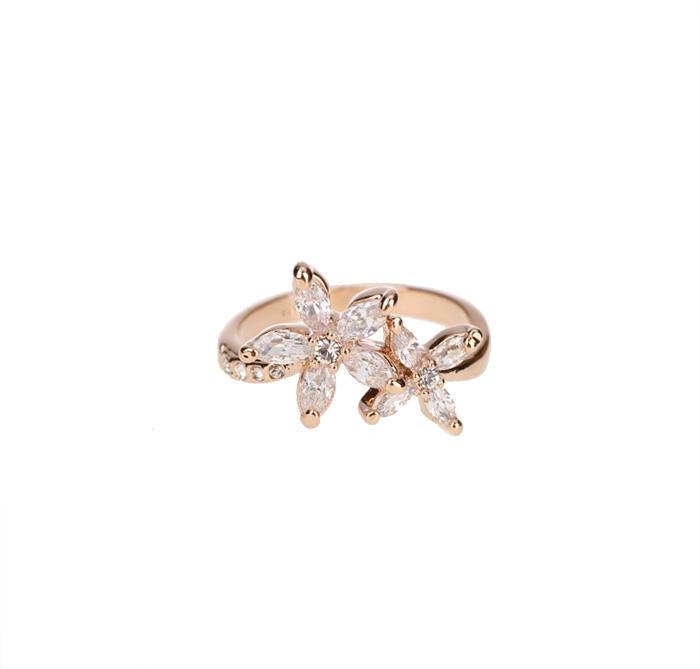 миниатюрное кольцо с цветами